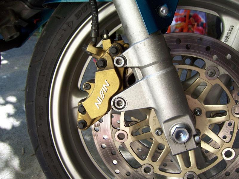1000 VTR F - Amélioration du freinage 100_4510