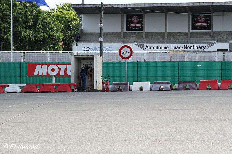 [Sorties] Café Racer Festival. Montlhéry 21 et 22 jui 2014. - Page 2 Img_2211