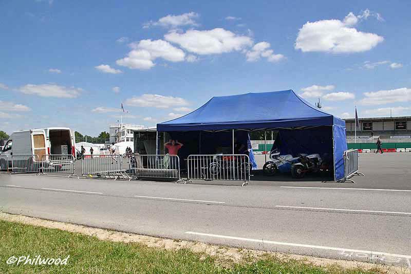 [Sorties] Café Racer Festival. Montlhéry 21 et 22 jui 2014. - Page 2 Img_2310