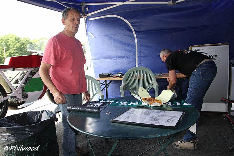 [Sorties] Café Racer Festival. Montlhéry 21 et 22 jui 2014. - Page 2 Img_2317