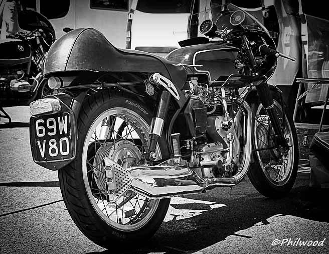 [Sorties] Café Racer Festival. Montlhéry 21 et 22 jui 2014. - Page 4 Img_2510