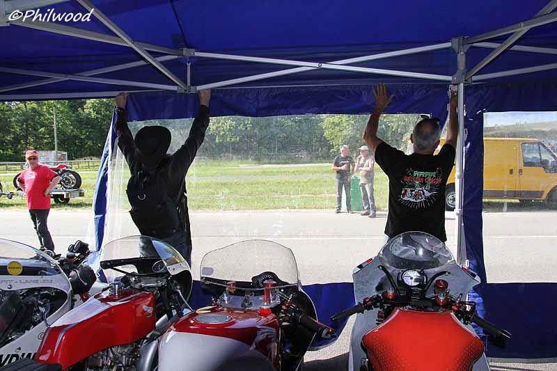 [Sorties] Café Racer Festival. Montlhéry 21 et 22 jui 2014. - Page 4 Img_2529