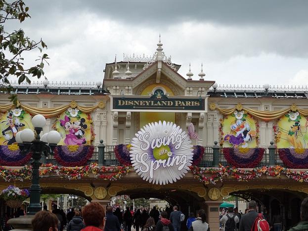 Disney nous revoilà avec la Dreamaker Family et émotions fortes garanties - Page 2 Dsc04112