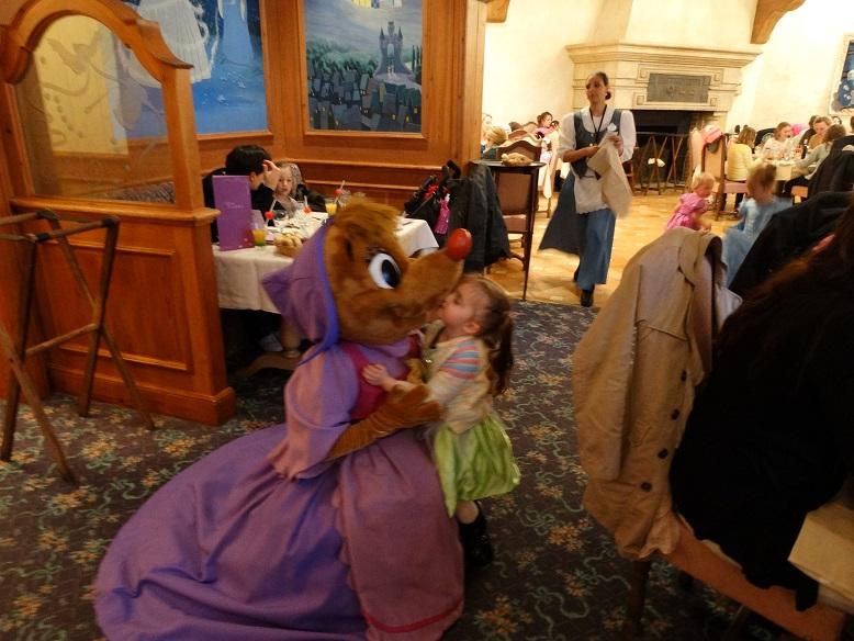 Disney nous revoilà avec la Dreamaker Family et émotions fortes garanties - Page 7 Dsc04630