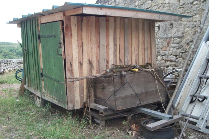 Cabane de berger sur roues Dscf2210