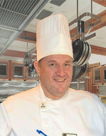 http://chefs.lestoquesblanchesdumonde.com/en/chef/ 10300810