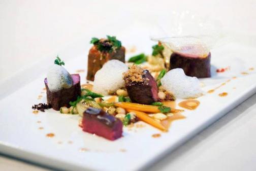 http://chefs.lestoquesblanchesdumonde.com/en/chef/pipos-petre/ Articl11