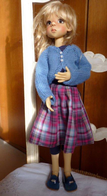 Youpi!! Layla vient d'arriver!nouvelle tenue P1060748