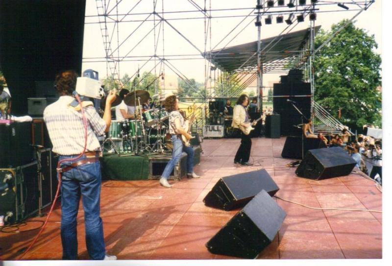 Photos de Pat McManus - Inselwiese, Dinkelsbuhl (Allemagne) - 5 juillet 1986 10358710