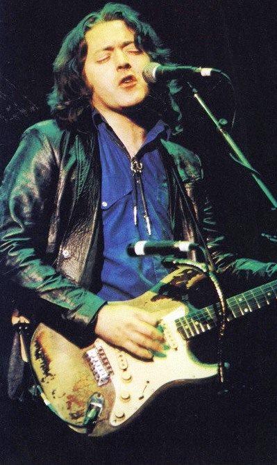 Photo de Katia Matola - Hammersmith Odeon - Londres (UK) - 16 octobre 1987 19593010