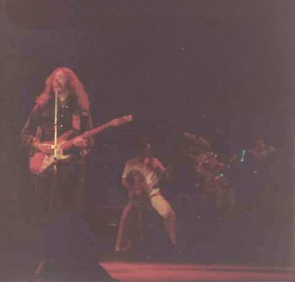 Photos de David Innes - Music Hall - Aberdeen  (UK)- 10 février 1977  56016611