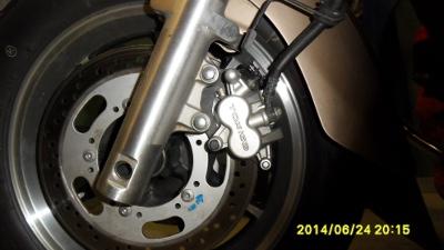 1700 tourer tuto d montage roues avant et arri re vn1700 pour changement pneus. Black Bedroom Furniture Sets. Home Design Ideas