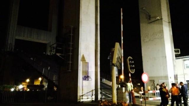 Un pont enjambant le canal Bruxelles-Rupel s'effondre Tissel10