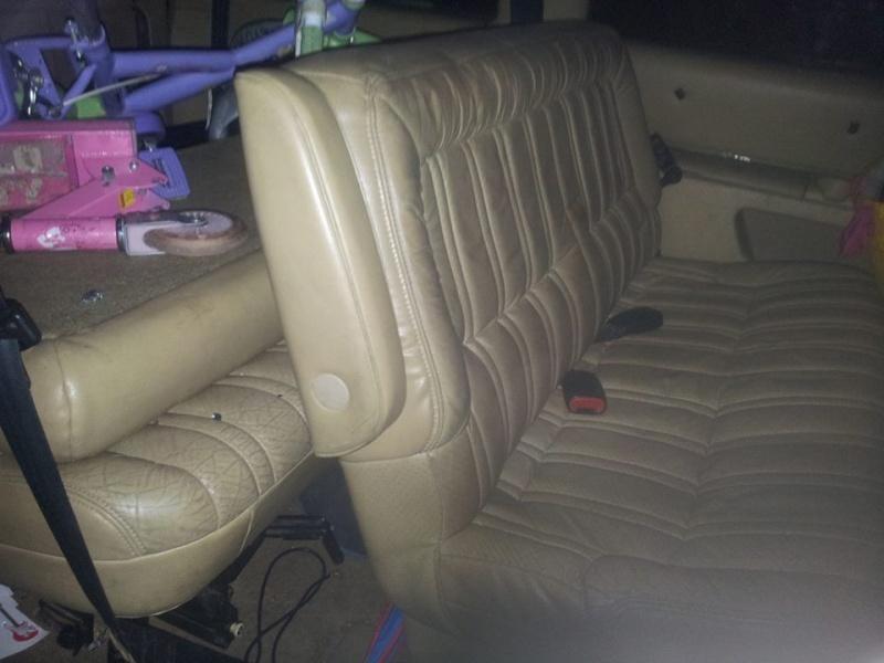intérieur cuir 2 sièges + 2 banquettes  10745012