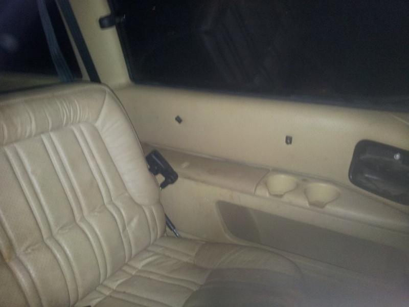 intérieur cuir 2 sièges + 2 banquettes  10745013