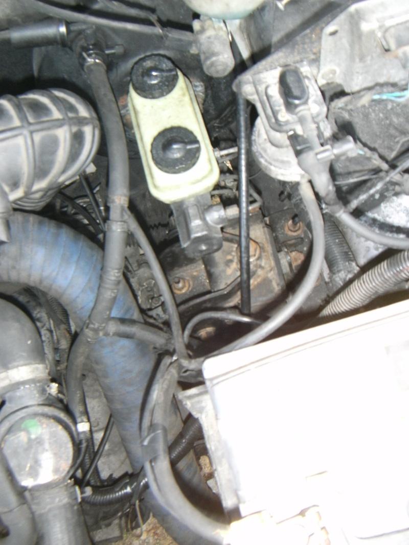 pédale de freins dure ( résolu ) Pict1633