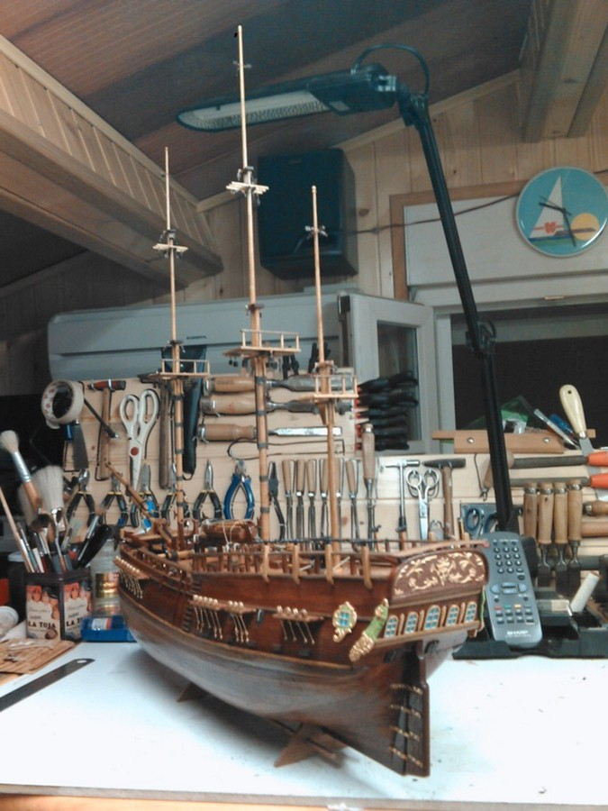 HMS ENDEAVOUR - Page 4 Img31011