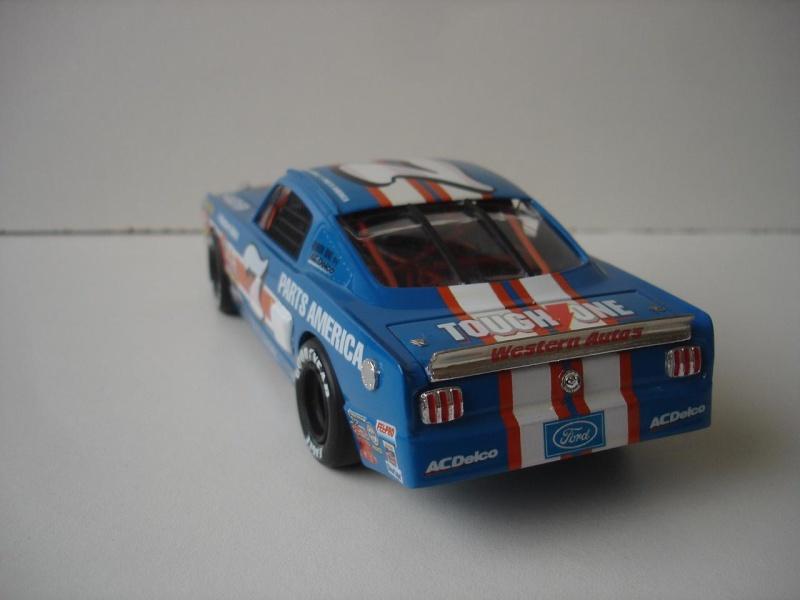 Mustang '65 NASCAR enfin FINI - Page 5 Dsc08722