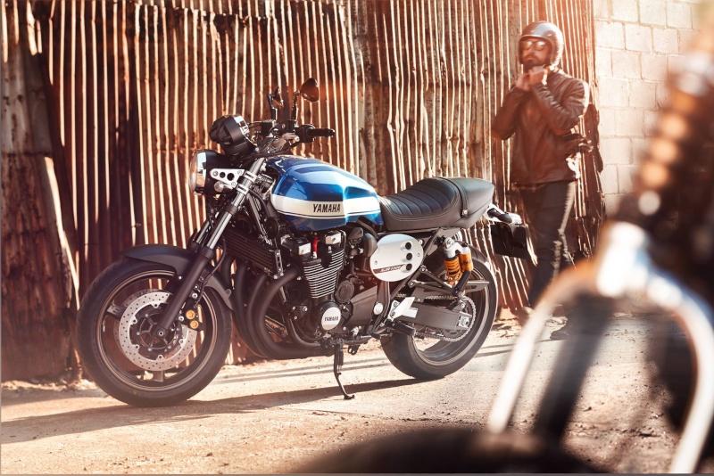 Yamaha XJR  10669010