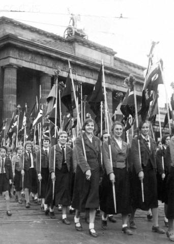 Collection Dorn,en vrac,Hitlerjugend et Bund Deutscher Mädel ... Corbis11