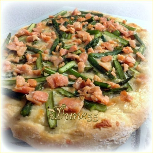 Pizza aux asperges et à la truite fumée Nmslkn10