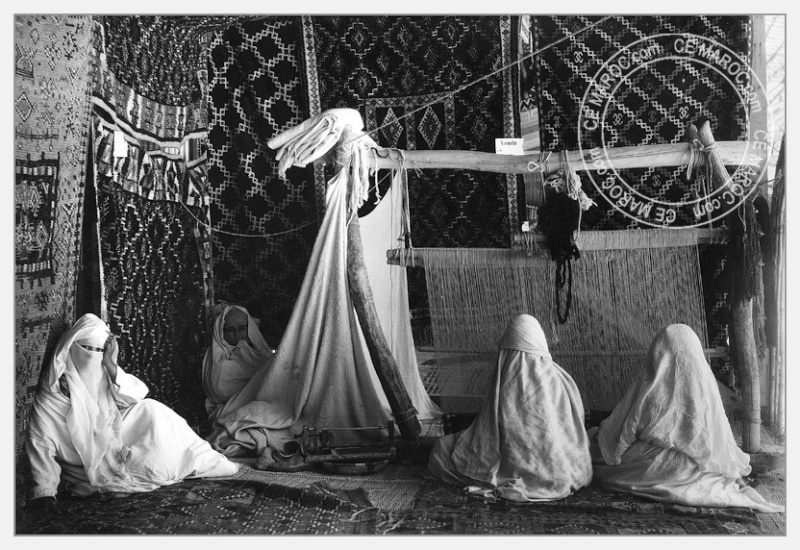 Fez : exposition d'artisans, tapis et broderie. 04-19210
