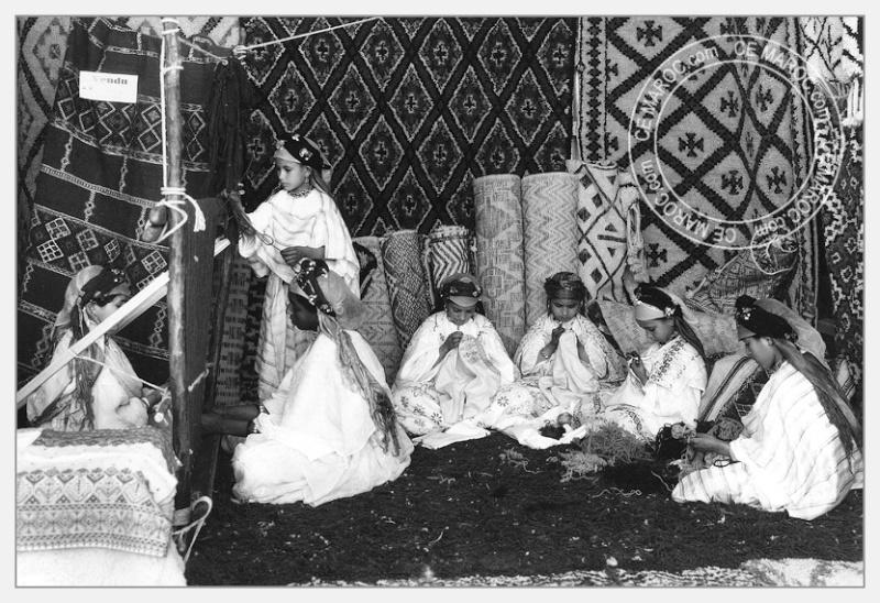 Fez : exposition d'artisans, tapis et broderie. 06-19610