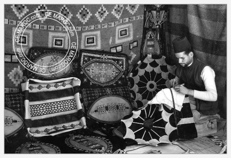 Fez : les tanneurs et l'artisanat du cuir. 09-15610