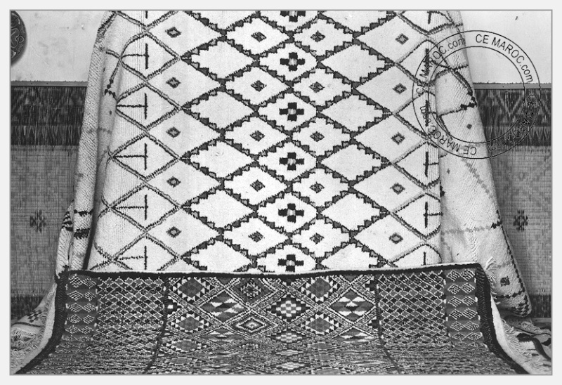 Fez : exposition d'artisans, tapis et broderie. 10-19410