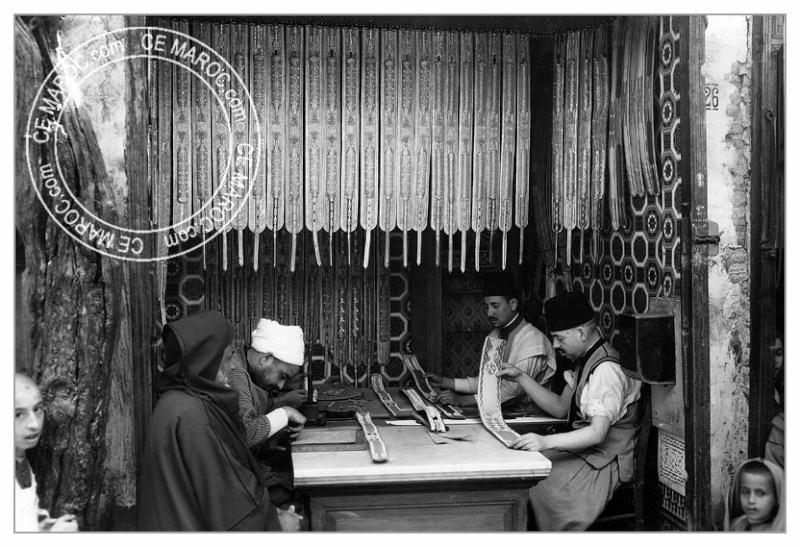 Fez : les tanneurs et l'artisanat du cuir. 12-15410