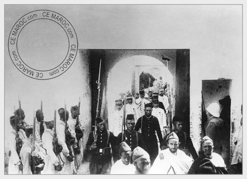 Fez : Manifestations religieuses, personnalités, réception.   2-0210