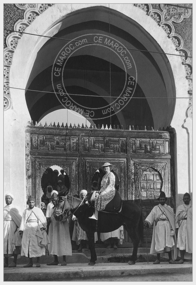 Fez : Manifestations religieuses, personnalités, réception.   5-30410