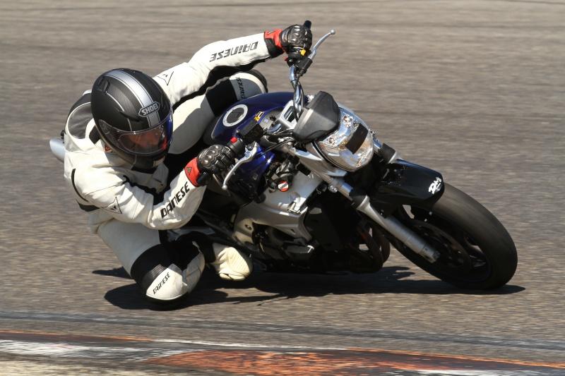 Roulage Michelin power days 18 Août à Lédenon Img_0410