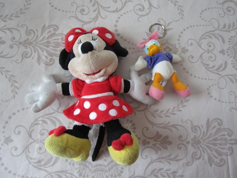 Nos trouvailles Disney dans les vide-greniers - Page 14 Img_5910