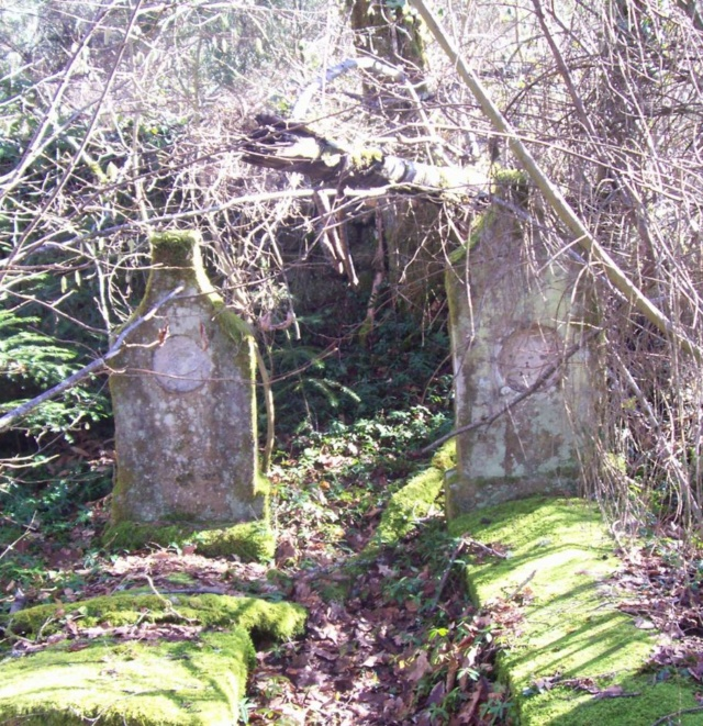 Le cimetière de Plainartige.  Cim410