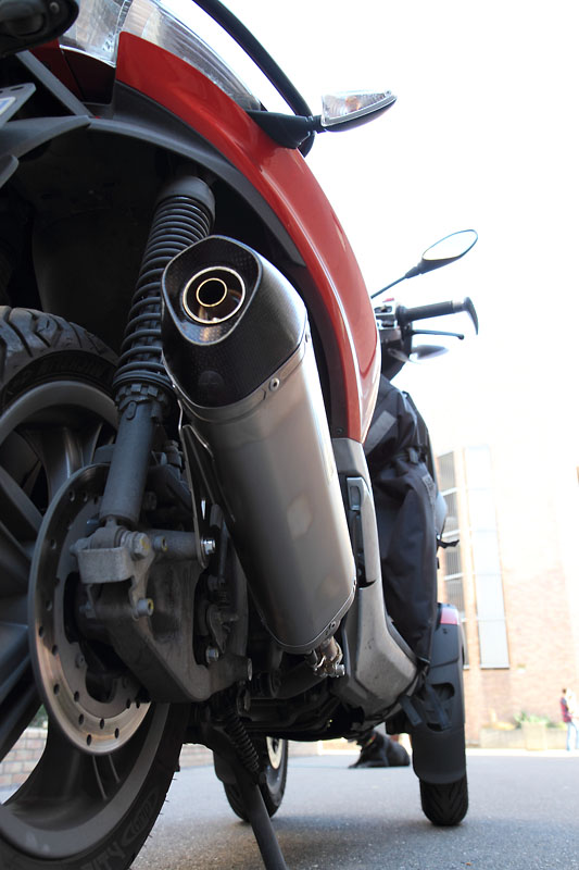 Pot Akrapovic pour le Yourban 300 _mg_2015