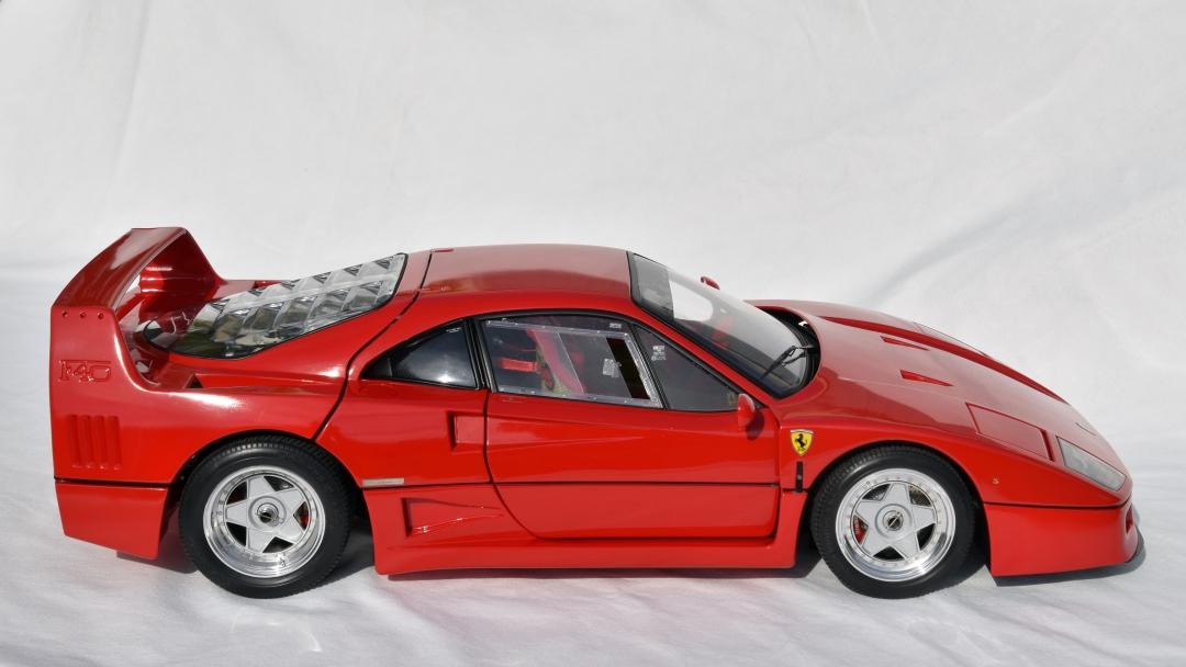 Ferrari F40 von Pocher 1:8 mit autograph Transkit gebaut von Paperstev 001_f411