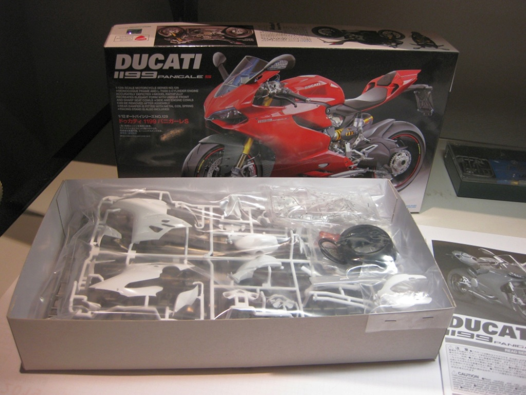 Ducati 1199 Panigale S - Tamiya 1:12 001b_b10