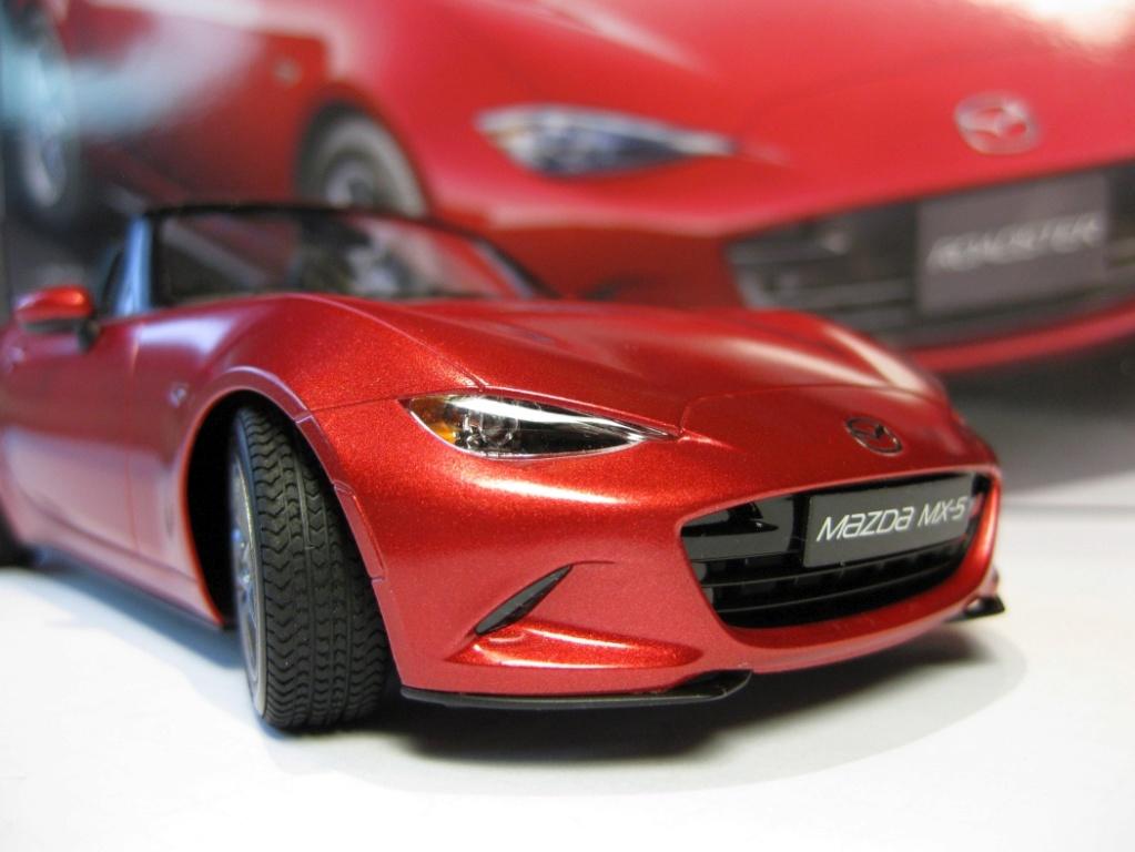 Mazda MX-5 Tamiya 1:24 gebaut von Paperstev 002_ba19