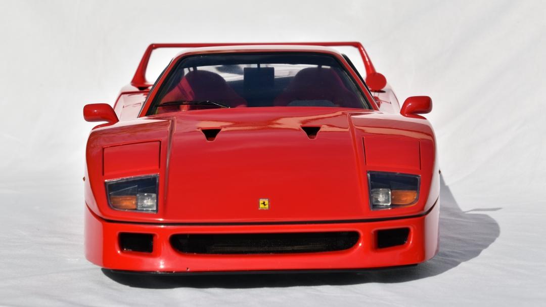 Ferrari F40 von Pocher 1:8 mit autograph Transkit gebaut von Paperstev 002_f411