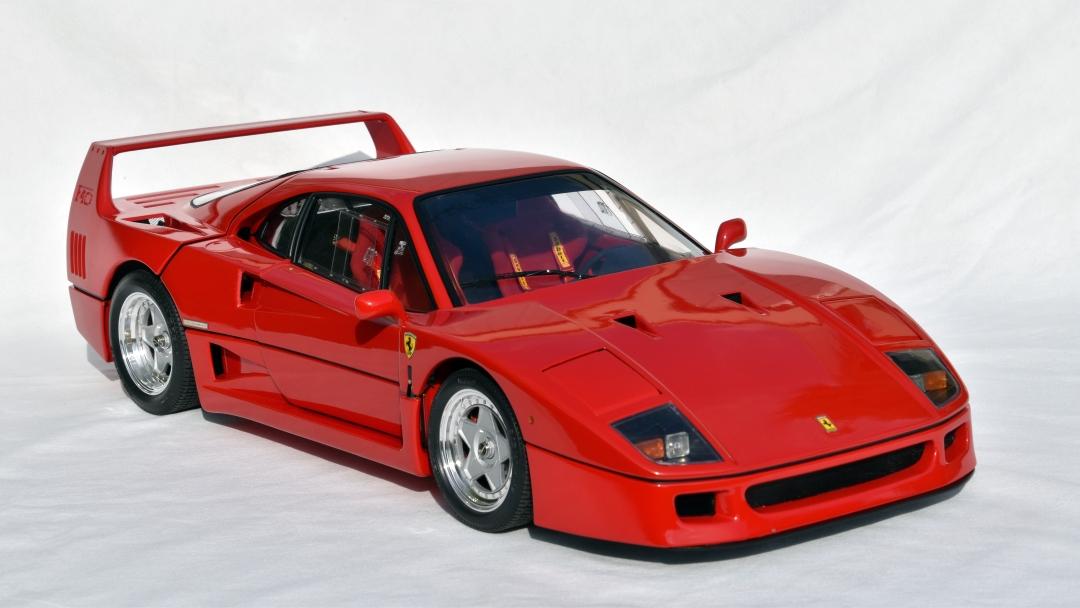 Ferrari F40 von Pocher 1:8 mit autograph Transkit gebaut von Paperstev 003_f411