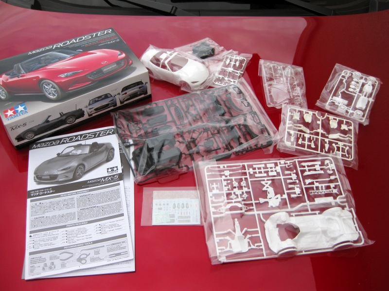 Mazda MX-5 Tamiya 1:24 gebaut von Paperstev 003_vo10