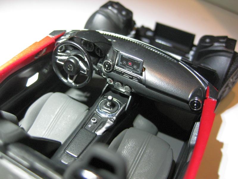Mazda MX-5 Tamiya 1:24 gebaut von Paperstev 004_ba15
