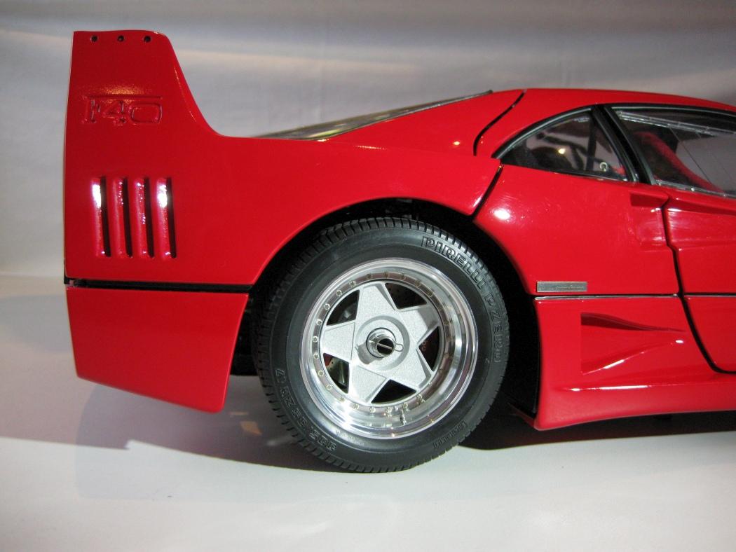Ferrari F40 von Pocher 1:8 mit autograph Transkit gebaut von Paperstev - Seite 7 004_f410