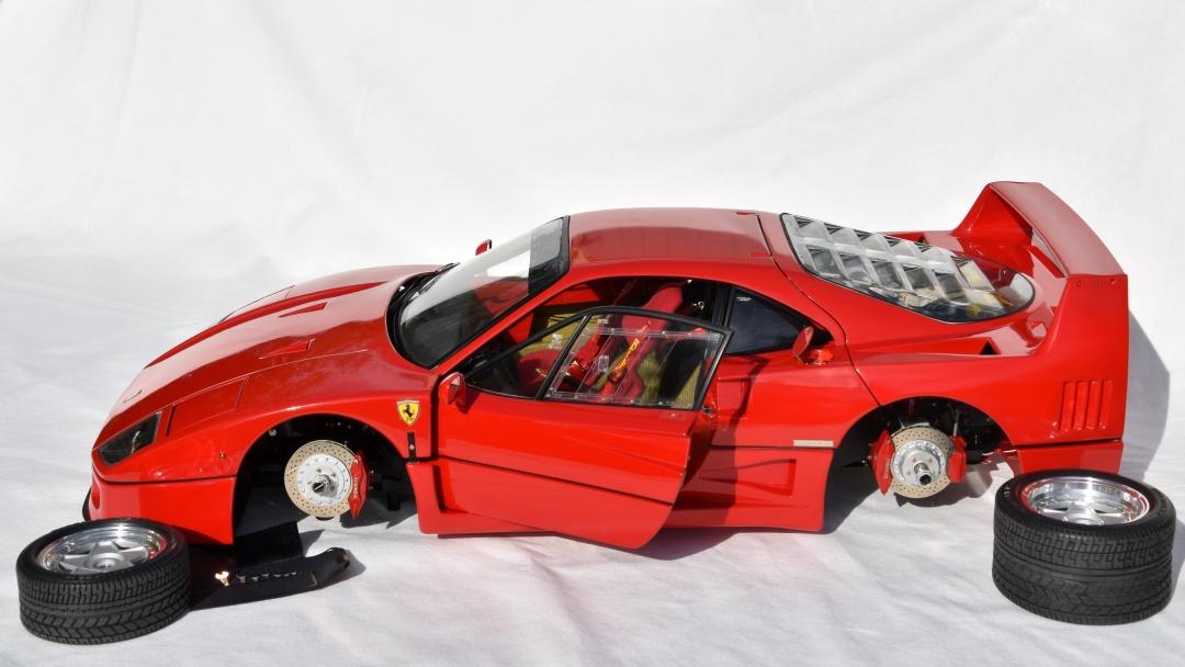 Ferrari F40 von Pocher 1:8 mit autograph Transkit gebaut von Paperstev 005_f411