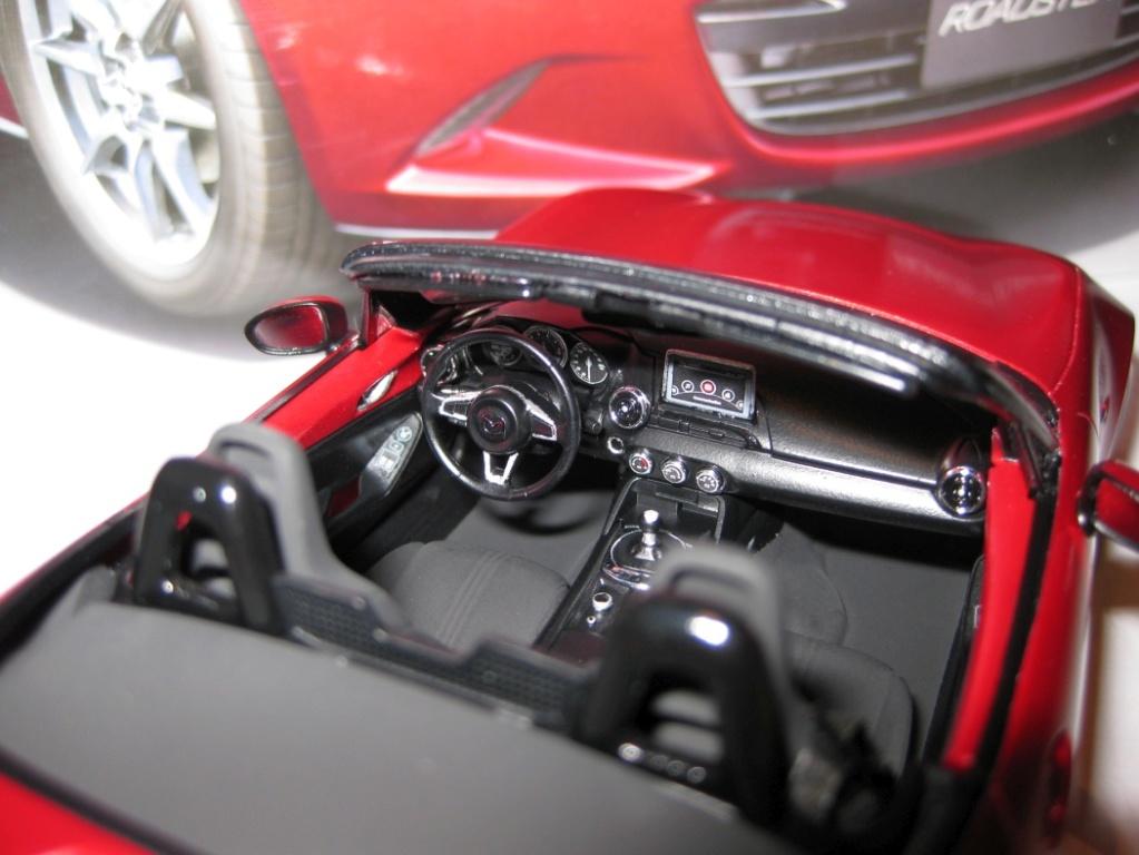 Mazda MX-5 Tamiya 1:24 gebaut von Paperstev 006_ba14