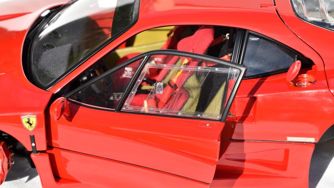 Ferrari F40 von Pocher 1:8 mit autograph Transkit gebaut von Paperstev 007_f411