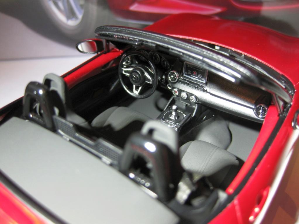 Mazda MX-5 Tamiya 1:24 gebaut von Paperstev 008_ba13