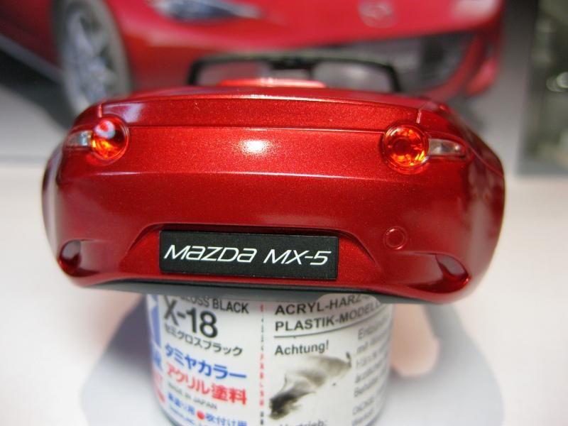 Mazda MX-5 Tamiya 1:24 gebaut von Paperstev 009_ba11