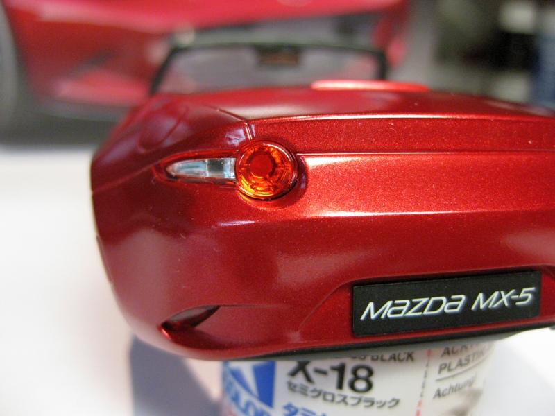 Mazda MX-5 Tamiya 1:24 gebaut von Paperstev 010_ba11